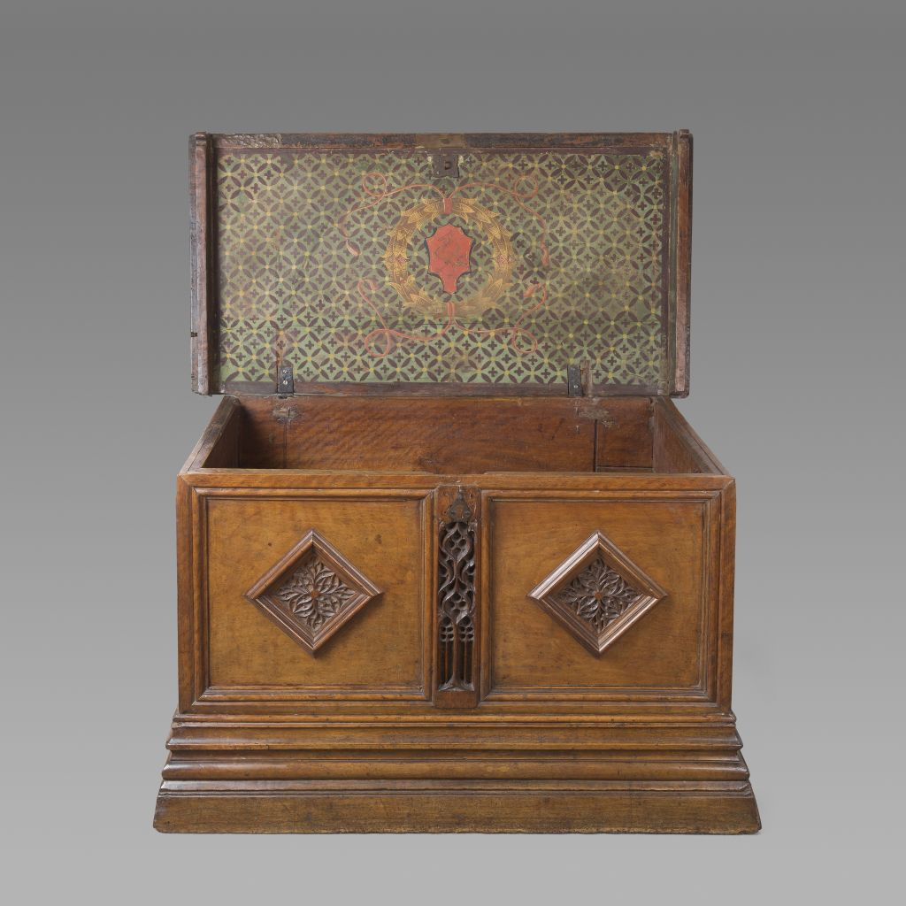 Gothic drawer chest, Catalonia 15th century