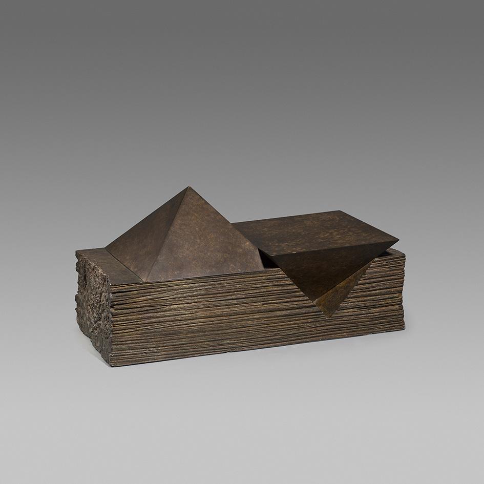 Dues piràmides, Josep Maria Subirachs
