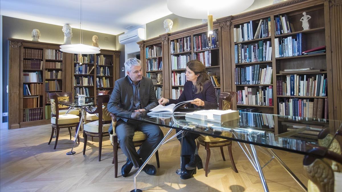 Saló, biblioteca i cadires fernandinas